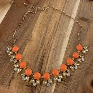 Cute orange statement necklace! 🧡📿